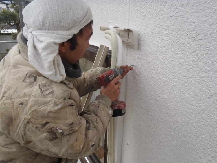 エアコン配管カバー 復旧