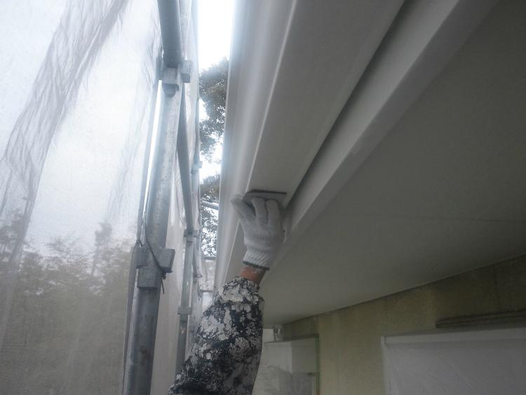 雨樋塗装 ケレン