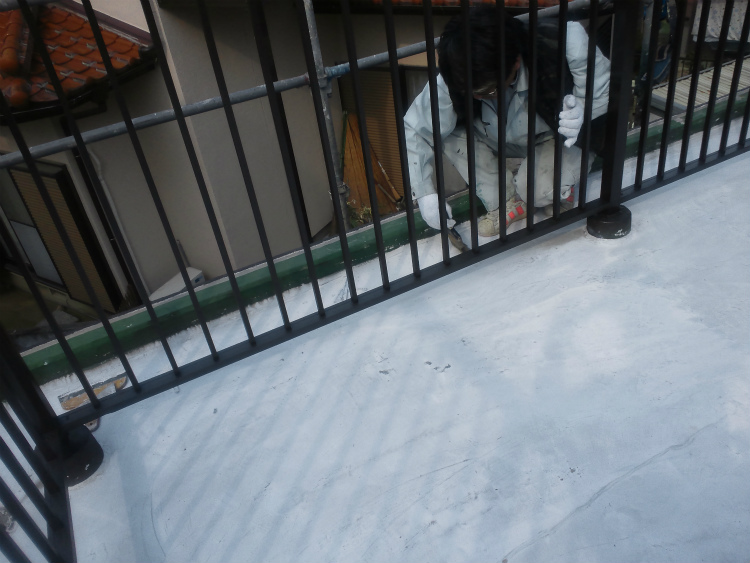 バルコニー防水 清掃