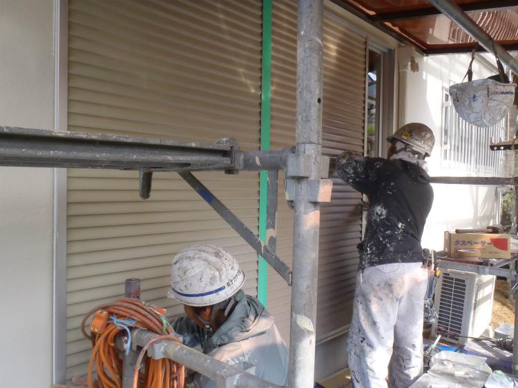 雨戸塗装 下地処理
