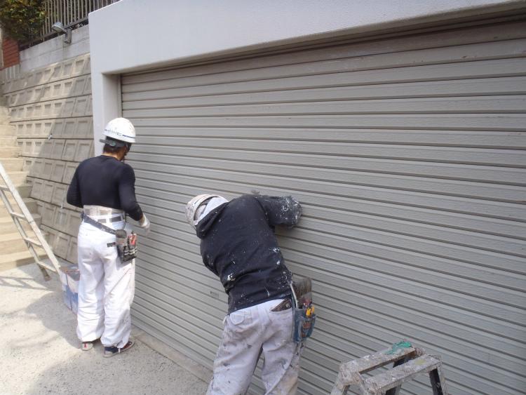 シャッター塗装 下地処理
