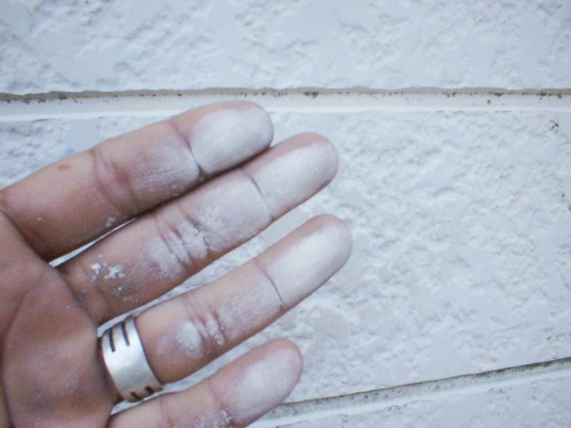 塗装の劣化(チョーキング現象)