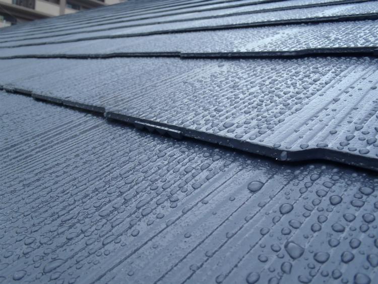 屋根 雨の様子